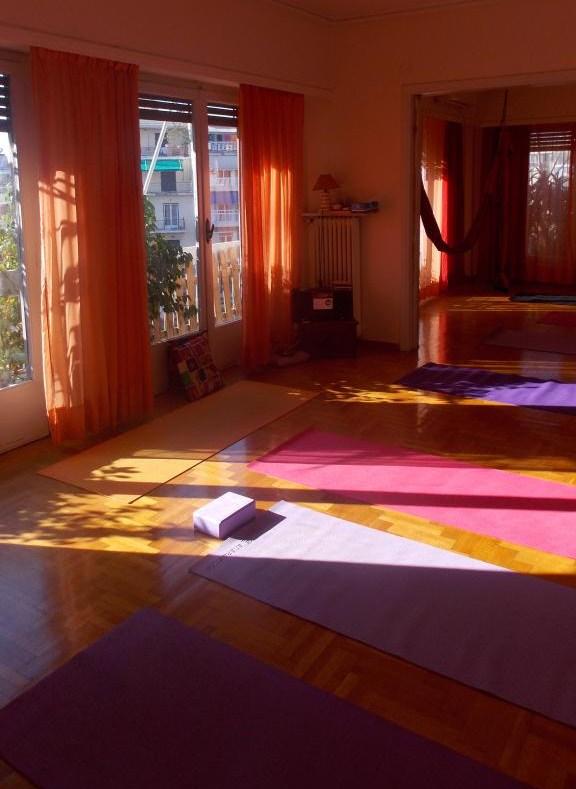 yoga thalassa